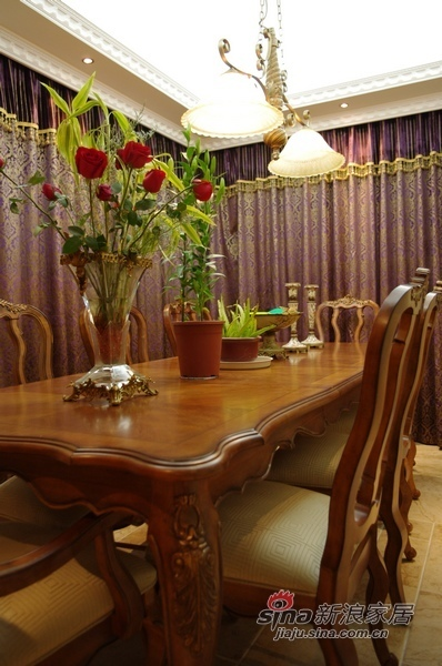欧式 三居 餐厅图片来自用户2757317061在8万120平欧式典雅品味3居91的分享
