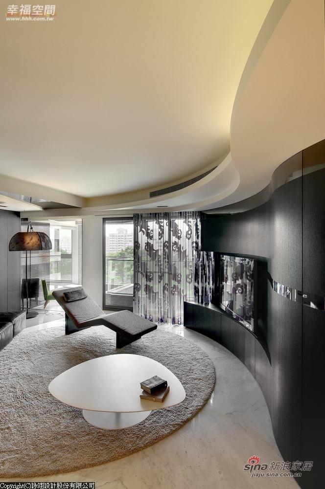 简约 二居 客厅图片来自用户2738820801在前卫流体 142 平艺术简约潮居60的分享