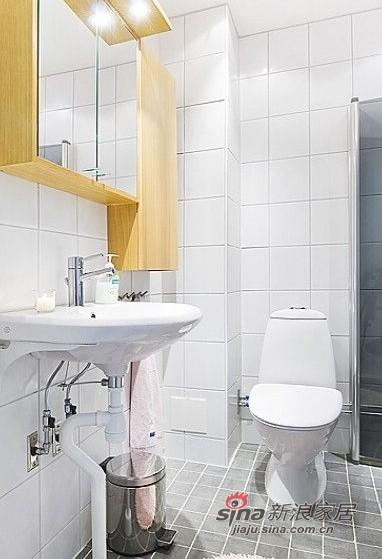 简约 一居 卫生间图片来自用户2557979841在百变大咖秀40平蓝白极简公寓21的分享