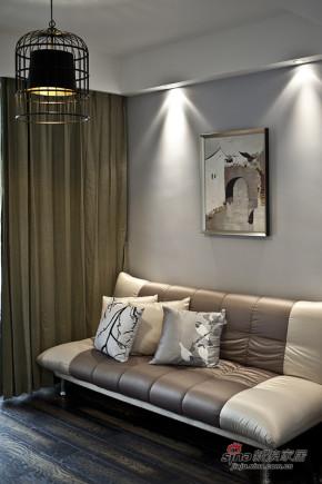 港式 三居 客厅 舒适 温馨 小资图片来自佰辰生活装饰在白领夫妻90平后现代时尚婚房91的分享