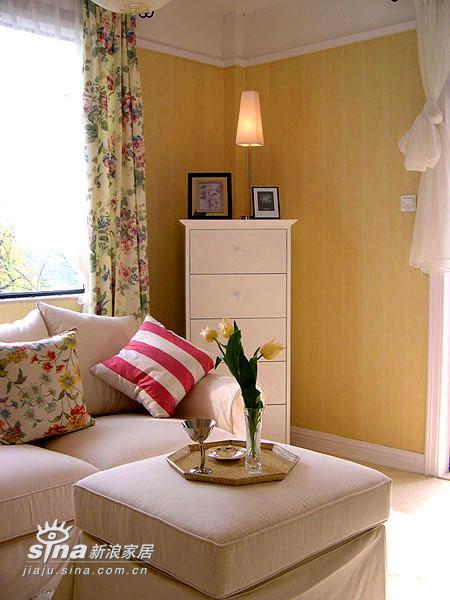 其他 三居 客厅图片来自用户2771736967在舒适浪漫、细腻精致-迷人的样板间87的分享