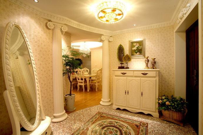 欧式 三居 客厅图片来自用户2746953981在13万打造80后夫妻145平精致奢华三居39的分享