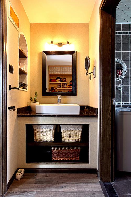 混搭 三居 卫生间图片来自用户1907655435在8.8万混搭120平现代三居室49的分享