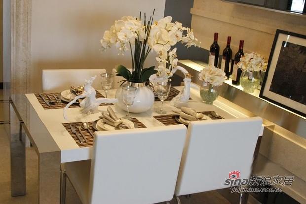 简约 三居 餐厅图片来自用户2738820801在工薪族10万装现代时尚3室2厅51的分享