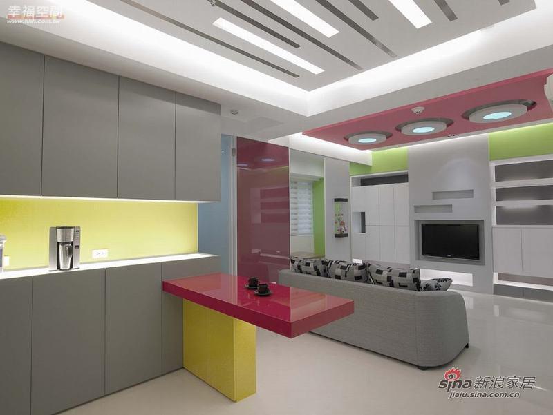 简约 二居 玄关图片来自幸福空间在79平色彩明艳的现代简约2居室40的分享
