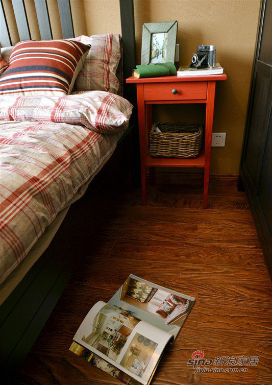 简约 二居 卧室图片来自装修微日记在【高清】10万营造86平简约时尚婚房27的分享