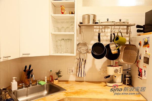 欧式 复式 厨房图片来自用户2772856065在三口之家8万简约风108平两房两厅72的分享