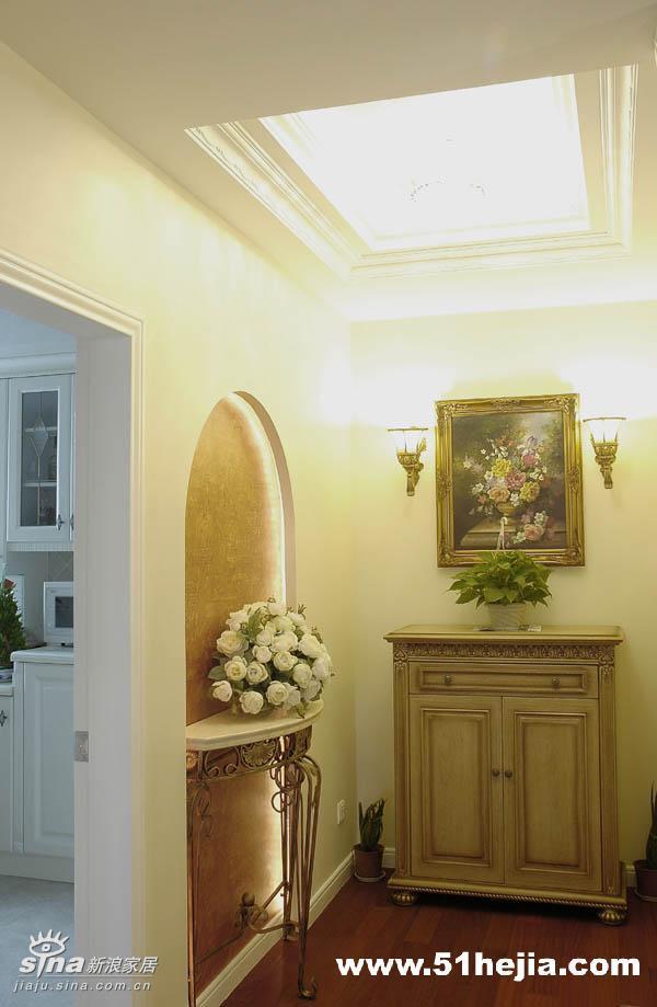 欧式 三居 玄关图片来自用户2557013183在欧式古典的温馨66的分享