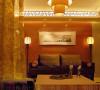 罗汉床为中宫灯分立两侧,客厅主位