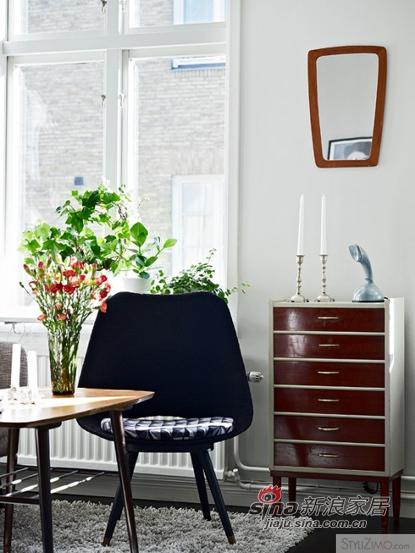 欧式 三居 客厅图片来自用户2745758987在装修必看:简约大方北欧风格客厅75的分享