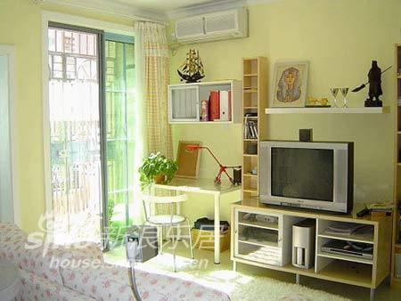 简约 一居 客厅图片来自用户2737782783在轻装修原则77的分享