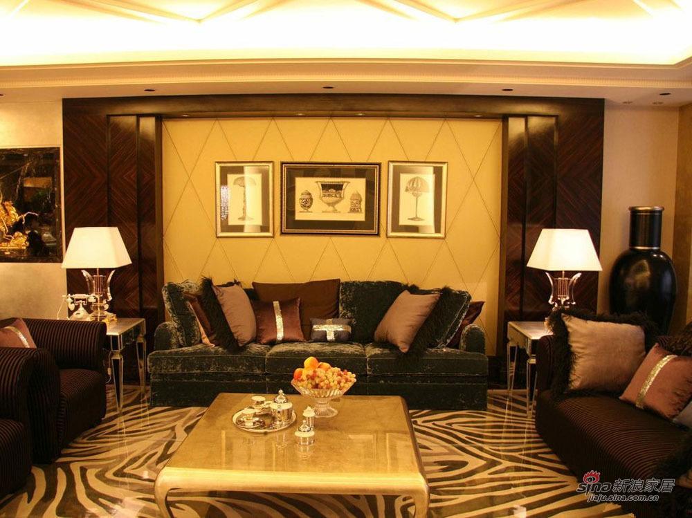 新古典 三居 客厅图片来自用户1907664341在9万打造150平新古典密林传奇75的分享