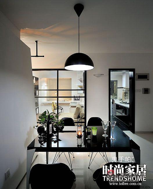 北欧 三居 客厅图片来自用户1903515612在110平北欧风减法成就丰富家65的分享