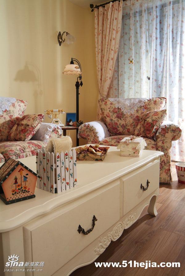 欧式 二居 客厅图片来自用户2746953981在我家的梦幻田园SHOW24的分享