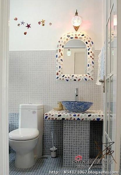 白色 卫生间