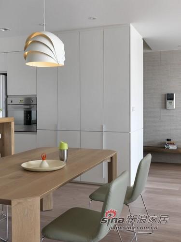 简约 三居 餐厅图片来自用户2559456651在打造现代的住宅公寓80的分享