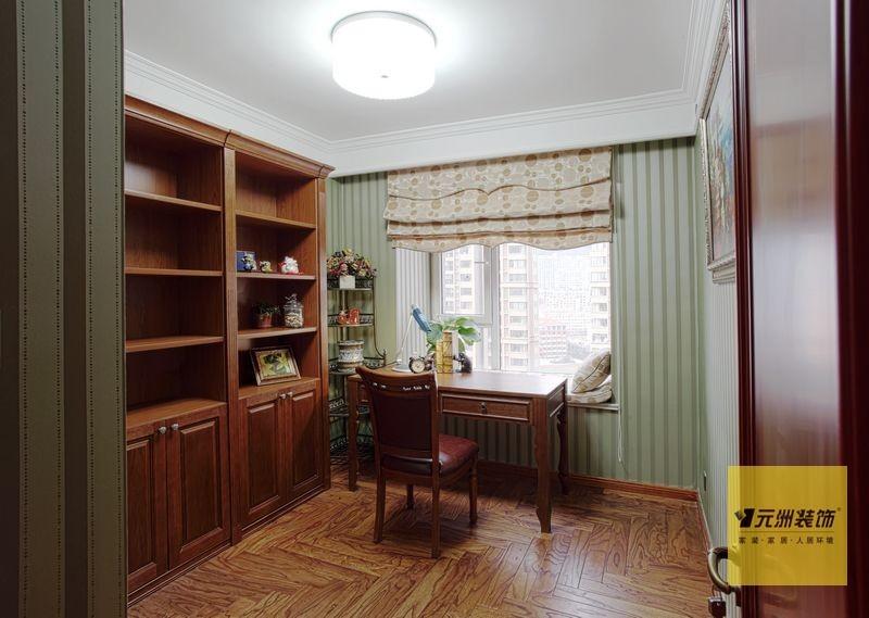 美式 三居 书房图片来自用户1907685403在北京160平米典雅美式风格实景图43的分享
