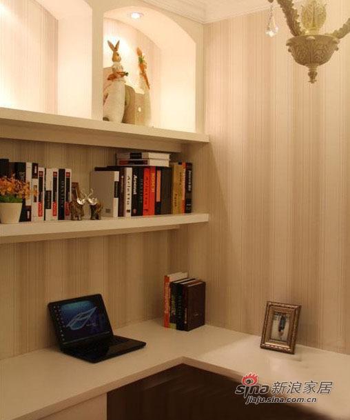 欧式 三居 客厅图片来自用户2757317061在80后夫妻5.6万浪漫简欧3居59的分享