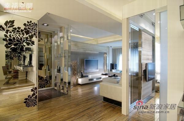 混搭 一居 客厅图片来自幸福空间在66平小居室大玩冲突美学45的分享