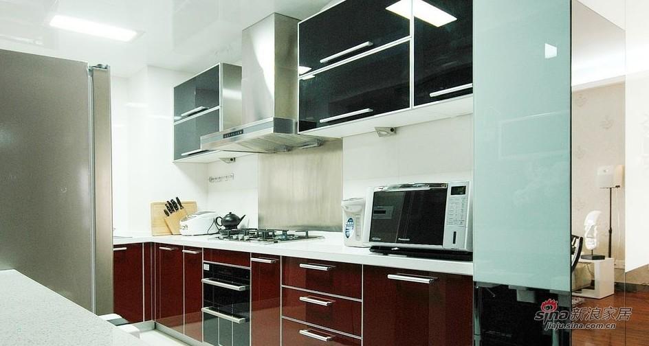 欧式 三居 厨房图片来自用户2746889121在【高清】阔少阔太的103平素雅高贵3居43的分享