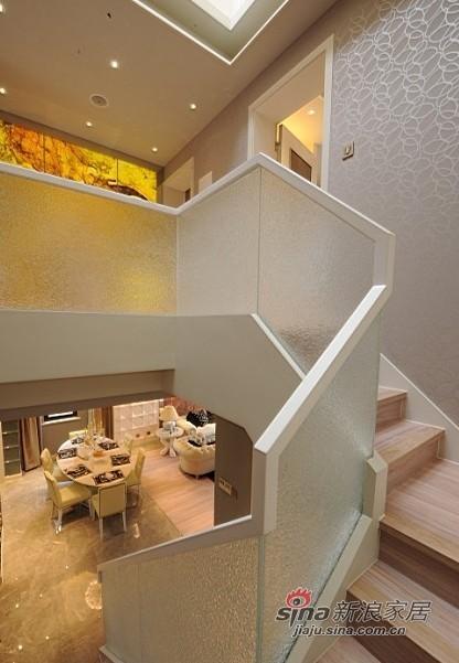 欧式 三居 楼梯图片来自用户2772856065在展现300平高雅经典别墅10的分享