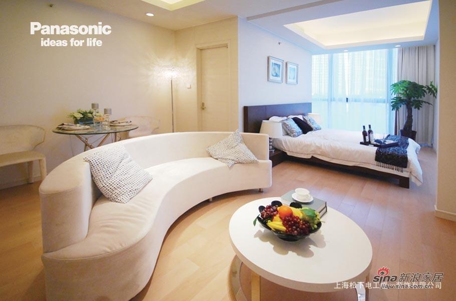 简约 二居 客厅图片来自用户2557979841在松下盛一:纯色的依恋20的分享