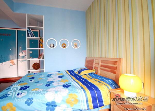 简约 三居 卧室图片来自用户2737735823在张亚芳15的分享