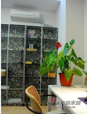 简约 二居 客厅图片来自用户2737950087在8万打造简约风格二居精致小家15的分享