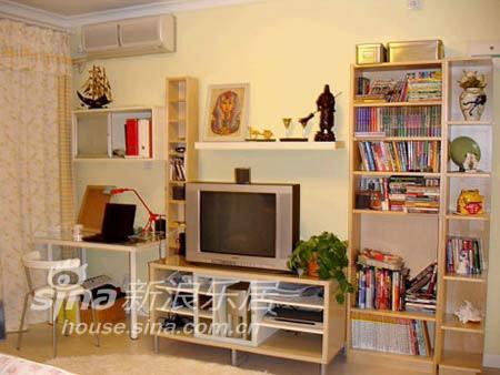 简约 一居 客厅图片来自用户2737786973在轻装修设计风格296的分享