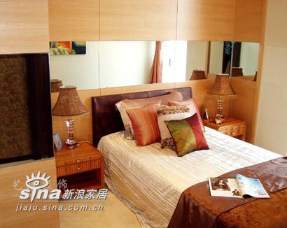 简约 四居 卧室图片来自用户2737782783在艺龙装饰实景二96的分享