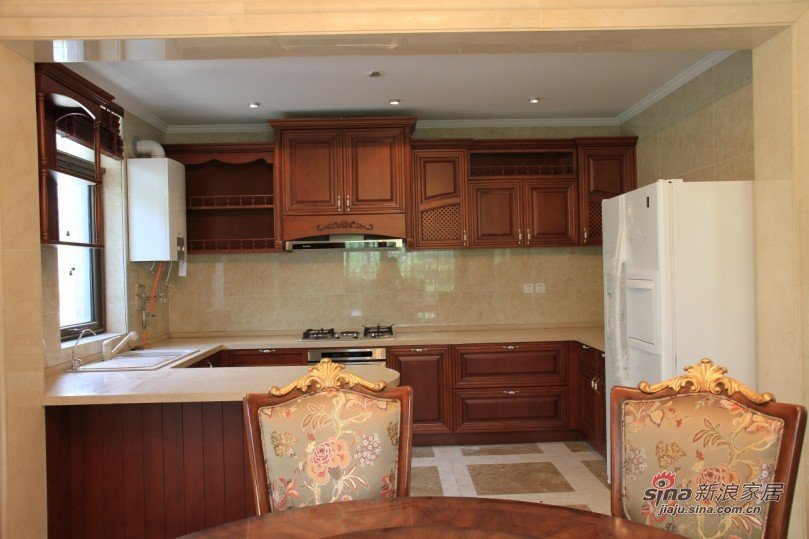 欧式 别墅 厨房图片来自用户2745758987在【高清】欧式别墅大宅 高品质生活61的分享