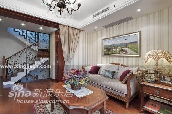 欧式 复式 客厅图片来自用户2746869241在舒适奢华不俗气  IT精英的美式家30的分享