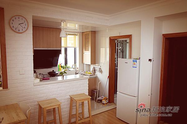 简约 一居 厨房图片来自用户2737735823在50平简约质朴风美甜蜜小屋50的分享