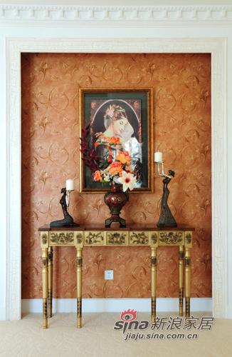 新古典 别墅 玄关图片来自用户1907664341在456平深色系古典雅致空间的分享