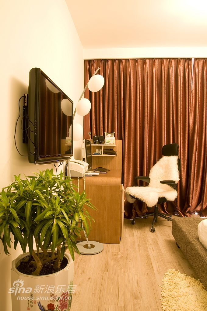 简约 三居 客厅图片来自用户2737786973在简约的曲线定义10的分享