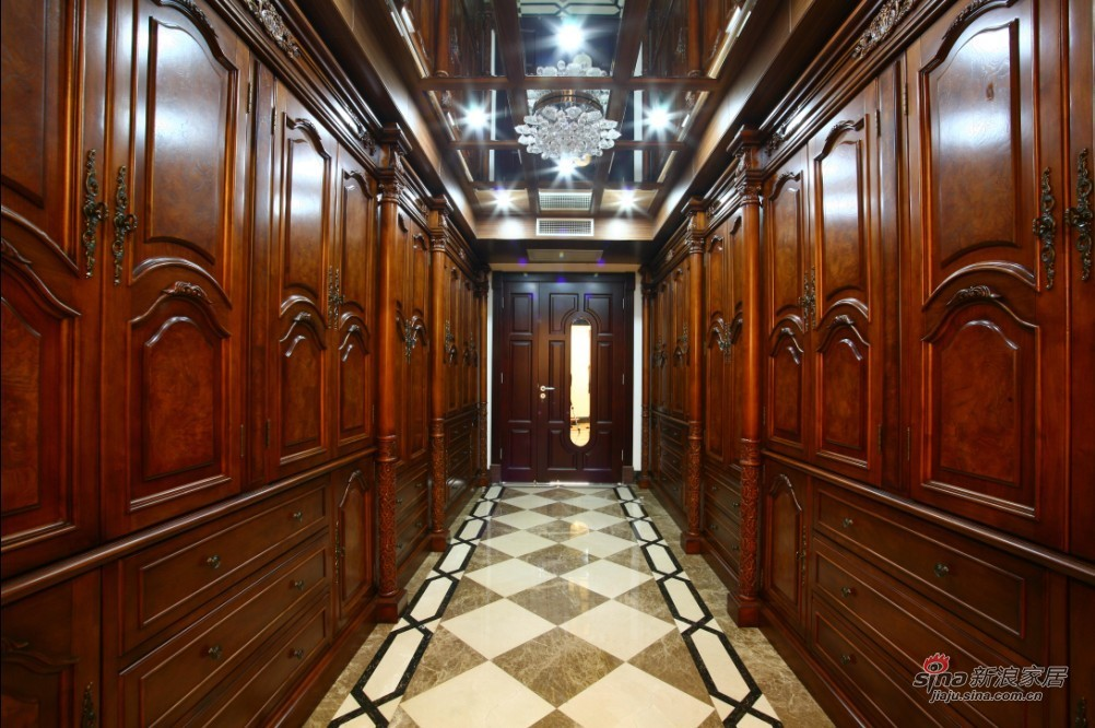 欧式 复式 客厅图片来自用户2772856065在朱雀门欧式奢华案例76的分享