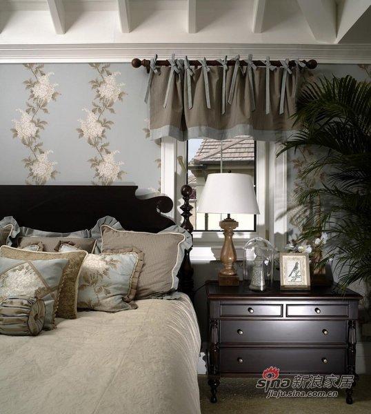 新古典 三居 卧室 舒适图片来自用户1907664341在三居室古典风格设计24的分享