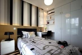 港式 三居 卧室 80后 屌丝图片来自佰辰生活装饰在白领12万打造99平港式婚房28的分享