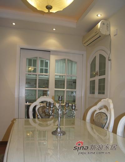欧式 二居 客厅图片来自用户2557013183在90平8万装两居欧式60的分享