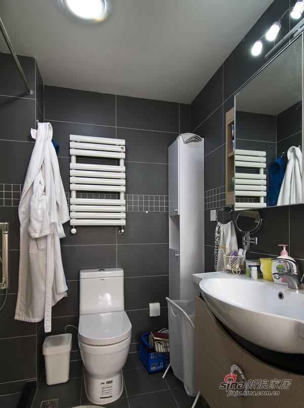 简约 三居 卫生间图片来自用户2738829145在巧用103平现代三房装别墅范儿81的分享
