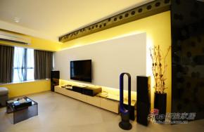 港式 三居 客厅 文艺青年图片来自佰辰生活装饰在屌丝男98平港式风格三居室76的分享