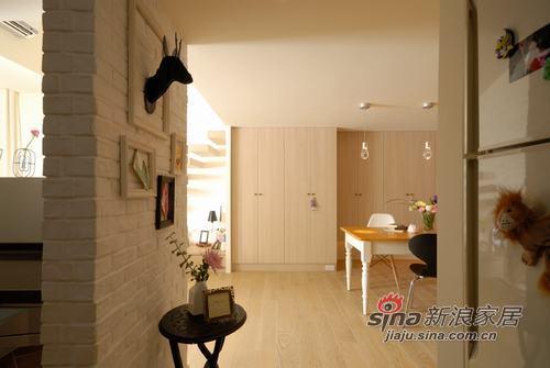 欧式 公寓 客厅图片来自用户2557013183在法式优雅懒倦居家77的分享