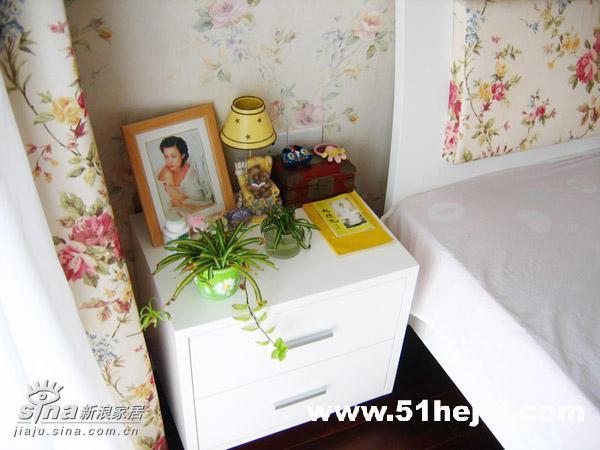 简约 复式 卧室图片来自用户2738829145在三代同堂共享欧式田园家78的分享