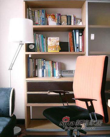 简约 三居 书房图片来自用户2737735823在6万装117平极致美丽简约家74的分享