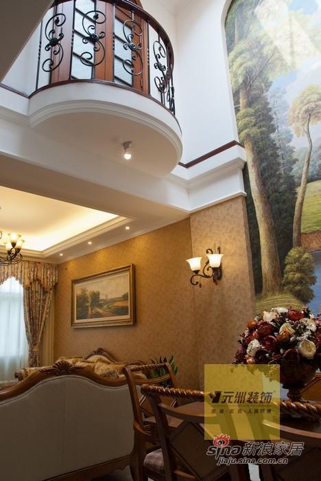 欧式 别墅 楼梯图片来自用户2745758987在270平米旭辉十九城邦联排别墅欧式风格46的分享
