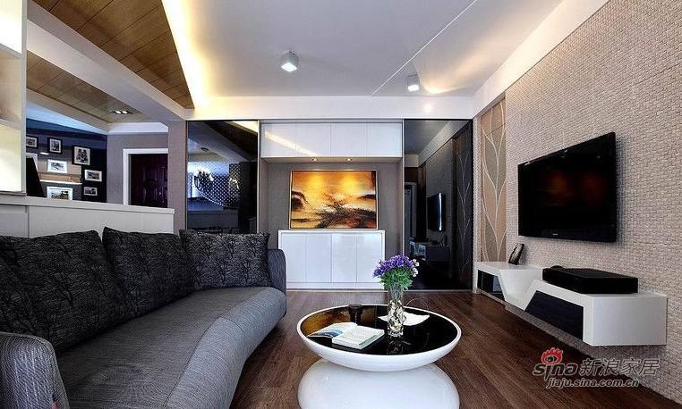 欧式 二居 客厅图片来自用户2745758987在爱人18万装86平黑白低奢华婚房14的分享