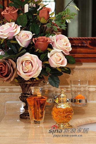 新古典 别墅 餐厅图片来自用户1907664341在456平深色系古典雅致空间的分享