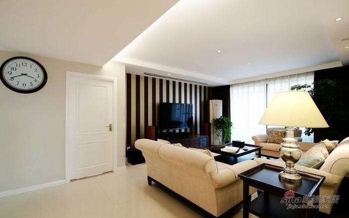简约 三居 客厅图片来自用户2737782783在实景9万秀150平方3居室婚房19的分享