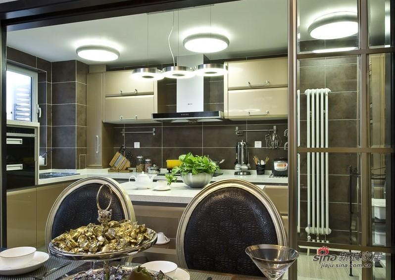 新古典 三居 厨房 白领图片来自家装大管家在【高清】9万装102平新古典时尚居27的分享