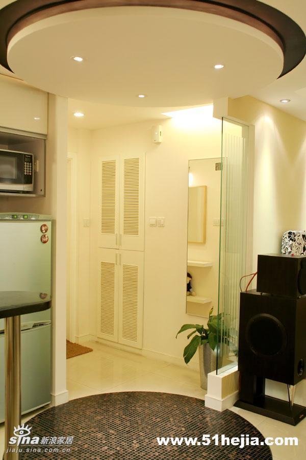 简约 二居 玄关图片来自用户2737735823在暖色调营造温馨舒适83的分享